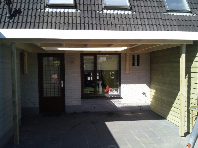 Bekoe bouw afgeronde projecten - Veranda met dakraam ...